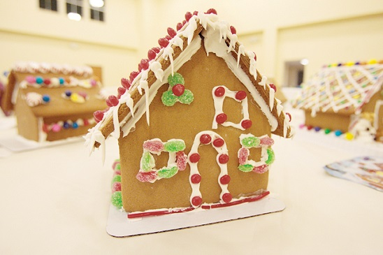 GINGERBREAD HOUSE DECORATING EVENT 12/03